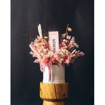 Moët & Chandon Specially Yours Box - Dried & Preserved Flowers