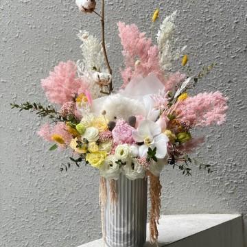 Dreamer Vase Arrangement