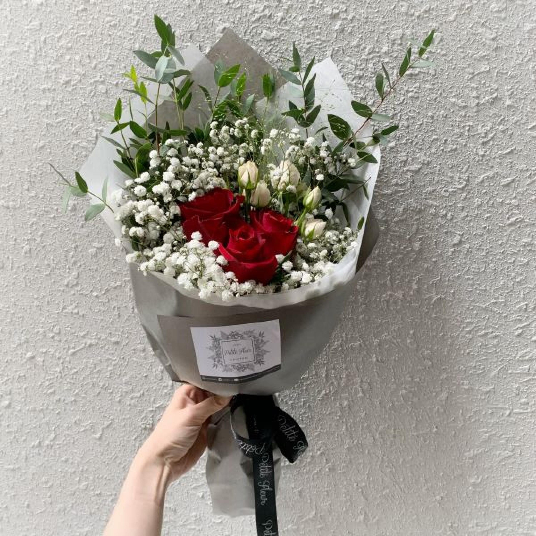 "3 Roses - ""I Love You"""