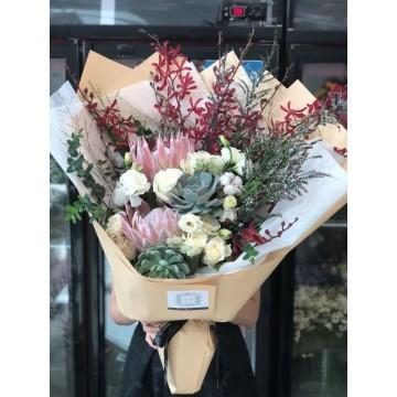 Queen of Hearts Bouquet
