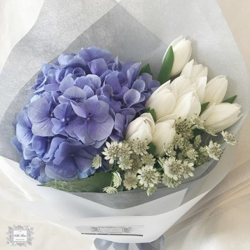 Elegant Hydrangea and Tulip bouquet