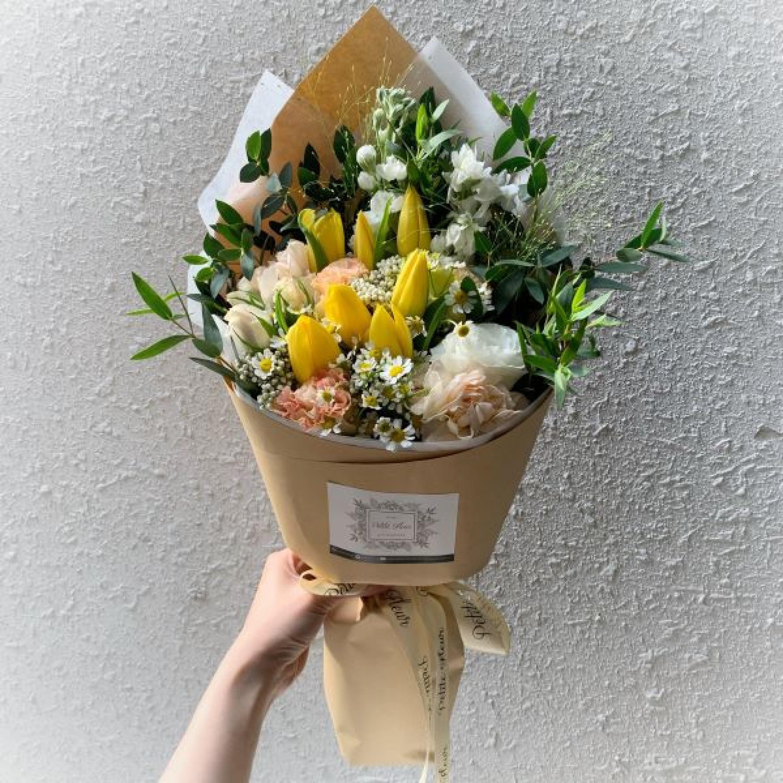 Petite Tulip Bouquet