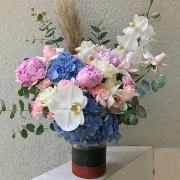 Graceful Peony and Cymbidium arrangement