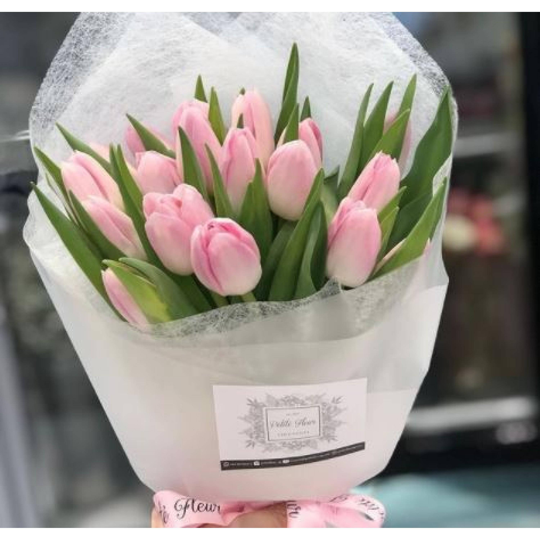 Elegant Tulip Arrangement