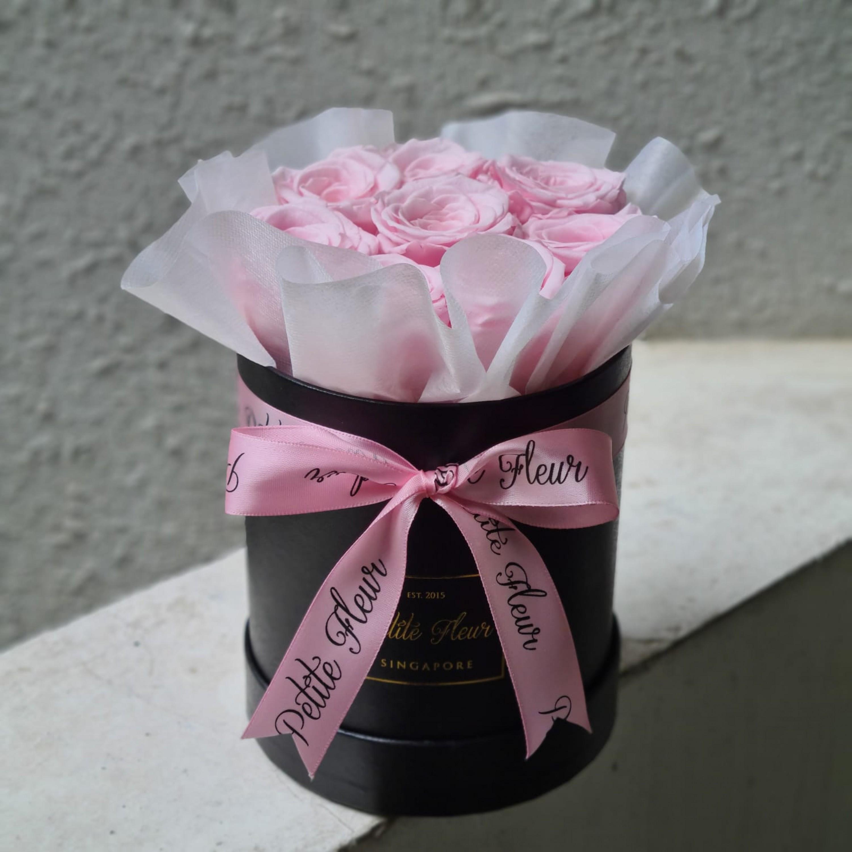 Preserved Roses - Petite Round box