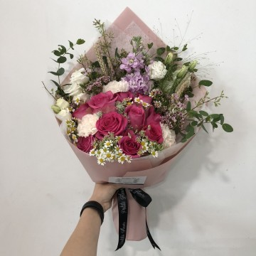 Kenyan Roses Arrangement