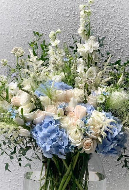 Blue And White Flower Arrangements